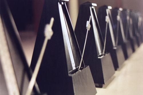 pendulum III, 9 metronomes, pedestal, aluminum, audience, 10.7.6-10.27.6