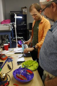 Zack Poff explainging circuit bending techniques